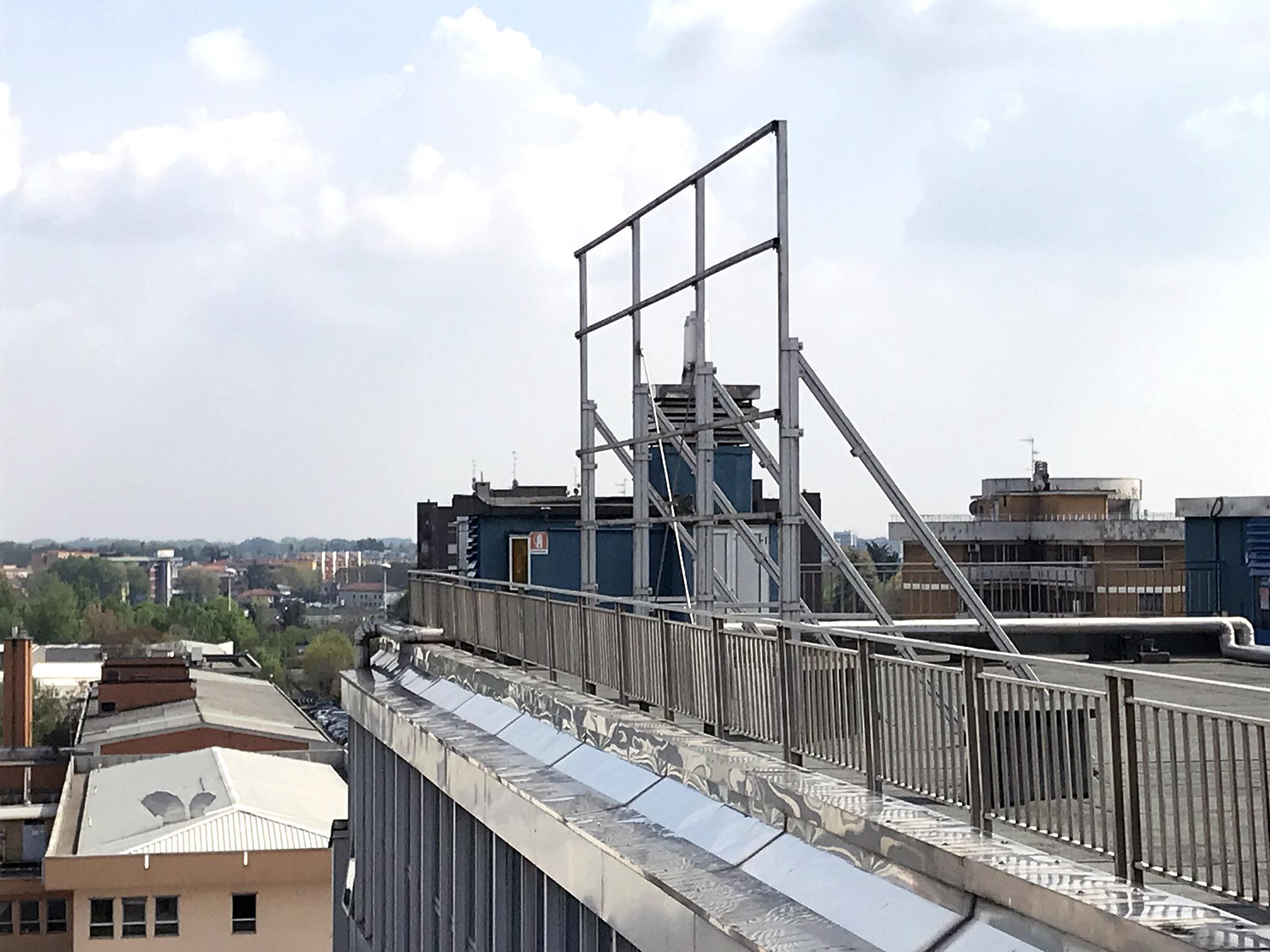 Diviso in ambienti/Locali in affitto a Milano in Via Gaudenzio Fantoli, 7