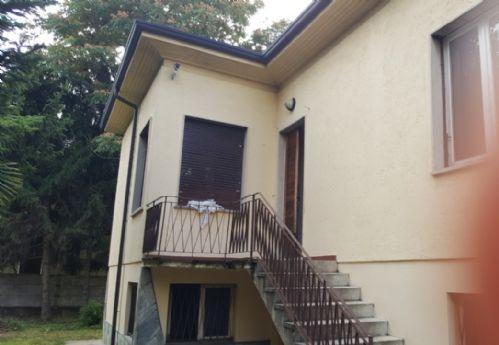 Canegrate   Villa in Vendita in via monte rosa   lacasadimilano.it