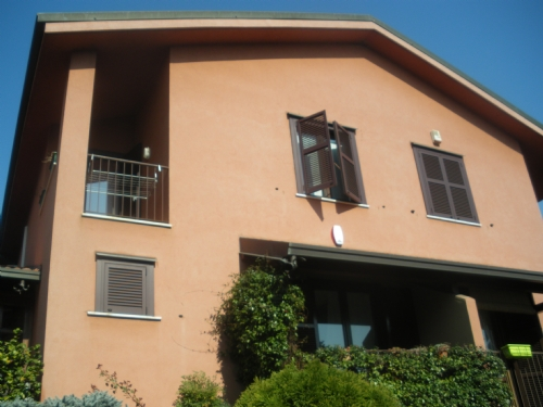 Casorezzo | Villa in Vendita in via burghes, Casorezzo, M | lacasadimilano.it