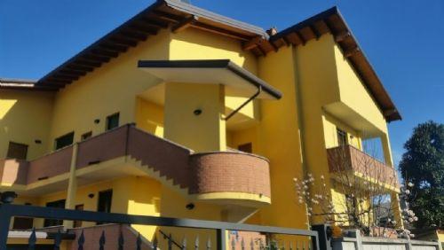 Casorezzo | Appartamento in Vendita in via gajo | lacasadimilano.it