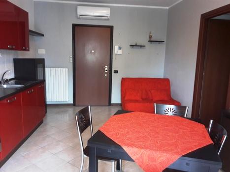 Milano   Appartamento in Affitto in  Vincenzo da Seregno 44   lacasadimilano.it