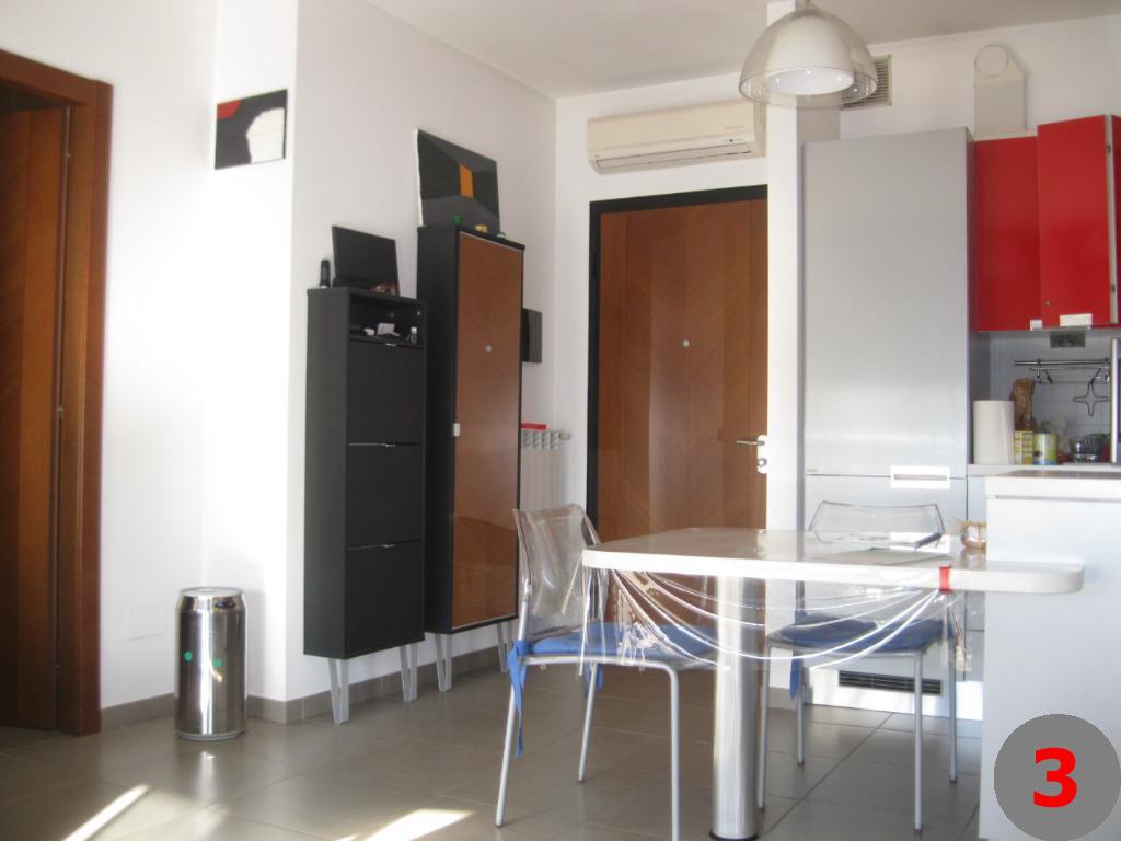 Appartamento in vendita a Corbetta in Via Cadorna